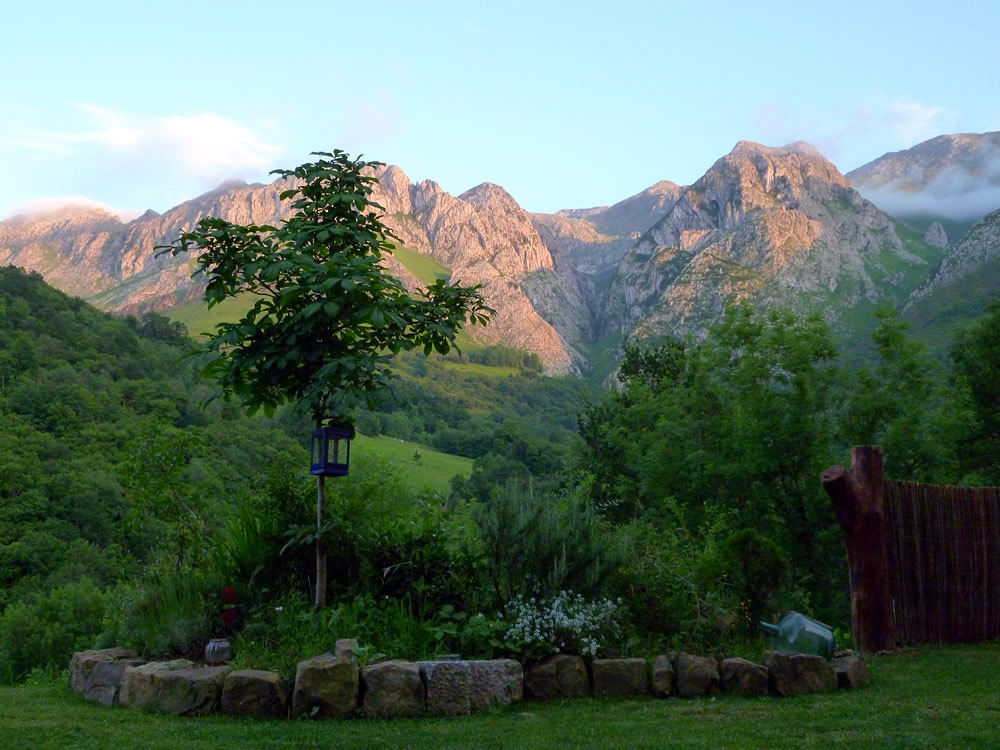 Sunset in Jascal, Picos country cottages in Asturias